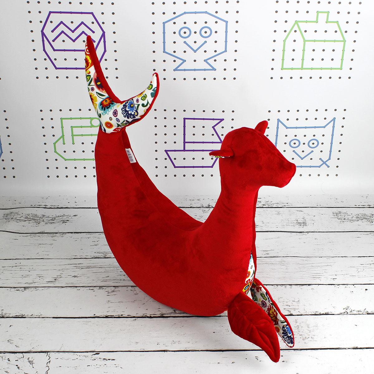 foka poduszka czerwona