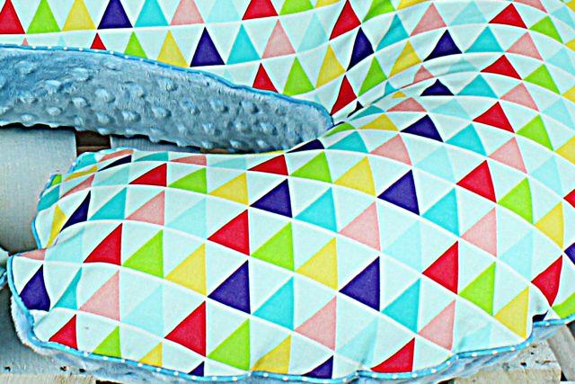 poduszka rogal trójkąty